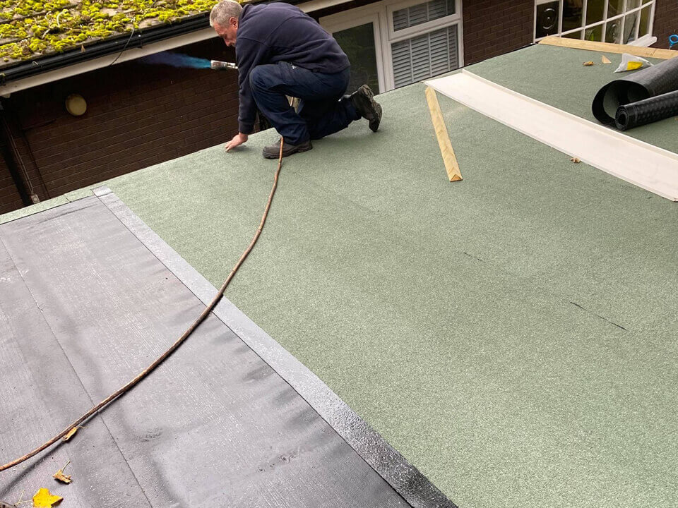 Garage Flat Roof Reddish Green