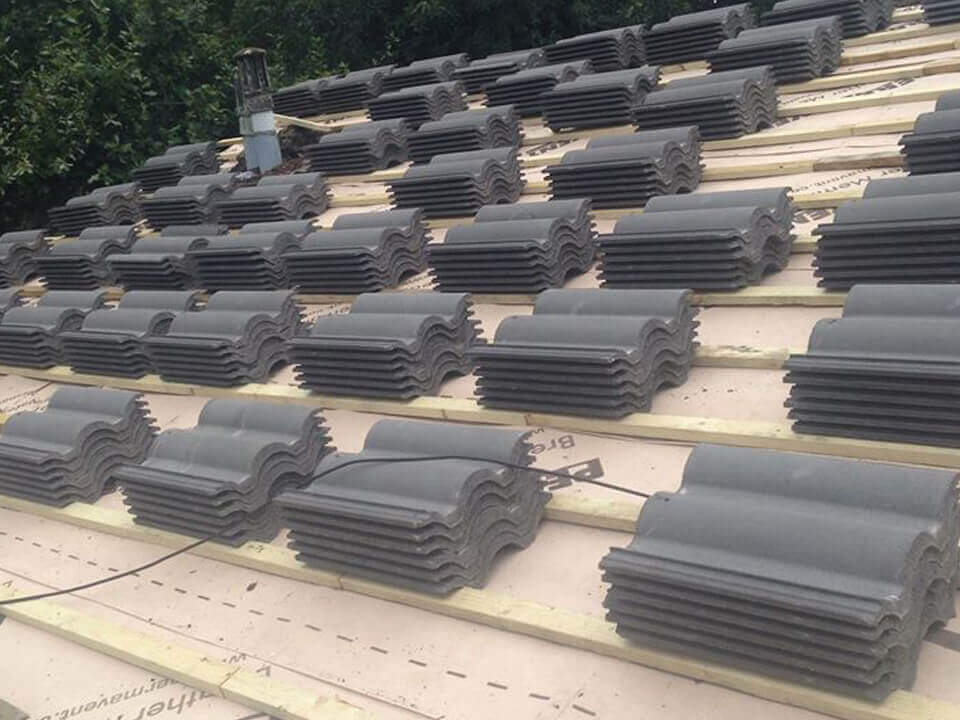 replacement roofs in Halliwell