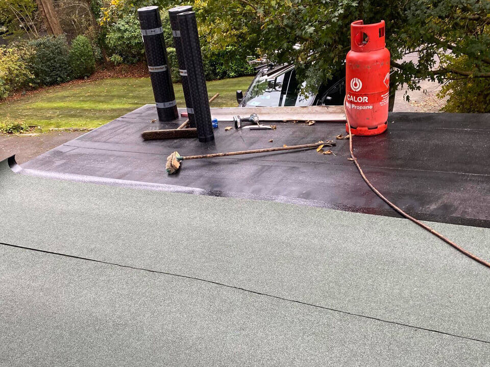 Flat Roof Reddish Green